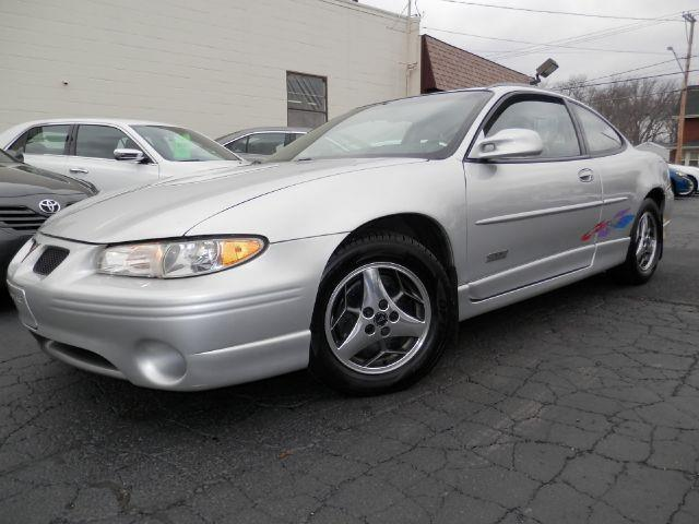 2000 pontiac grand prix 2dr gtp supercharged coupe in louisville oh ted 39 s auto sales inc. Black Bedroom Furniture Sets. Home Design Ideas