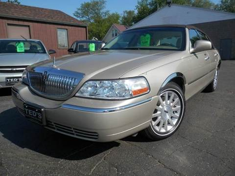 2007 Lincoln Town Car for sale in Louisville, OH