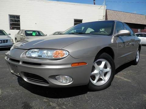 2001 Oldsmobile Aurora for sale in Louisville, OH