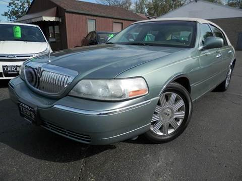 2005 Lincoln Town Car for sale in Louisville, OH