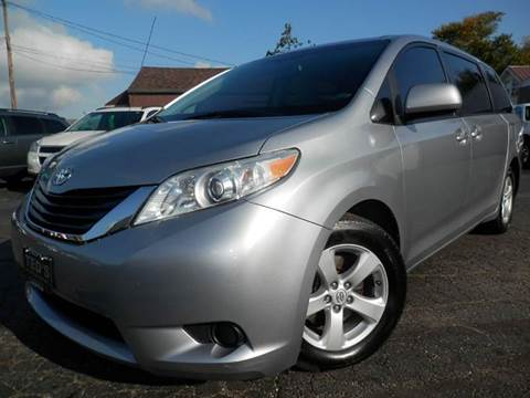 2011 Toyota Sienna for sale in Louisville, OH
