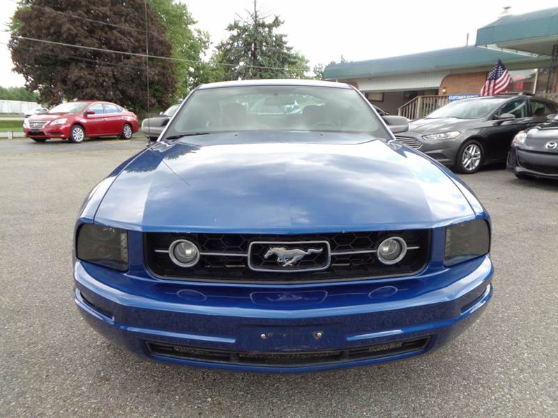 2009 Ford Mustang V6 Deluxe 2dr Fastback - Indianapolis IN