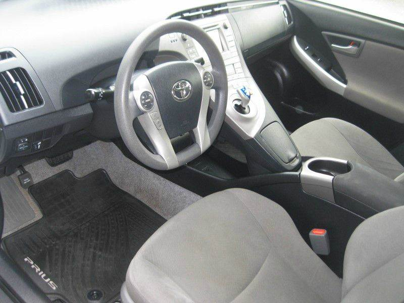 2014 Toyota Prius Three 4dr Hatchback - Knoxville TN