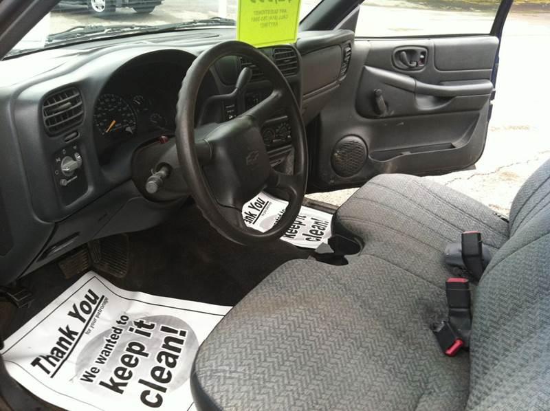 2000 Chevrolet S-10 2dr Standard Cab SB - Saegertown PA