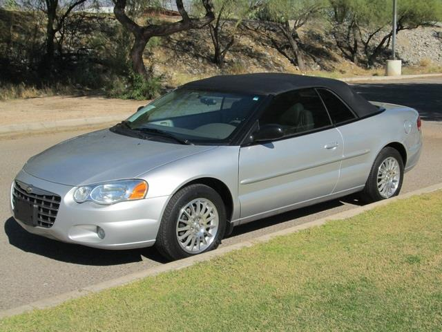 2005 CHRYSLER SEBRING TOURING CONVERTIBLE silver at noble motors we realize that you have lots of