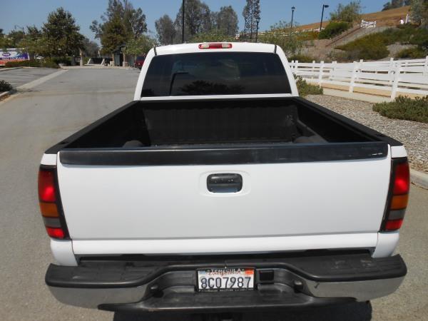 2006 GMC Sierra 2500HD  - Rancho Cucamonga CA
