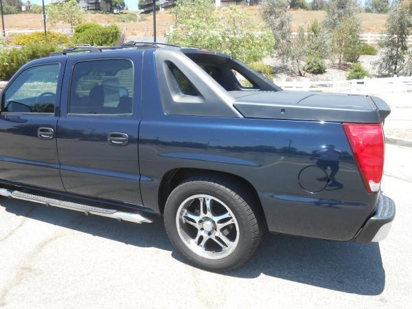 2004 Chevrolet Avalanche 4dr 1500 Crew Cab SB RWD - Rancho Cucamonga CA