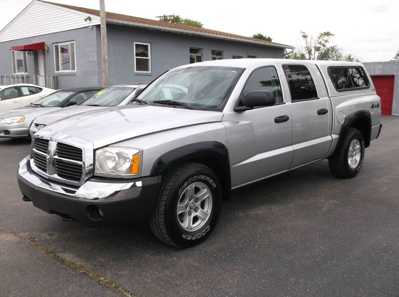 2005 dodge dakota 4dr quad cab slt 4wd sb in troy oh. Black Bedroom Furniture Sets. Home Design Ideas