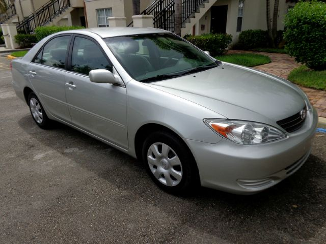 2004 TOYOTA CAMRY LE silver beautiful extra clean 2004 toyota camry le automatic sedan great mi