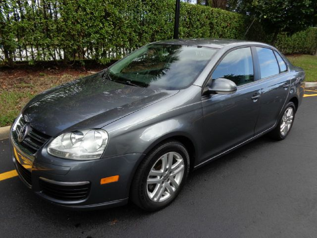 2007 VOLKSWAGEN JETTA VALUE EDITION 25L metallic gray this is a very well kept 2007 vw jetta 25