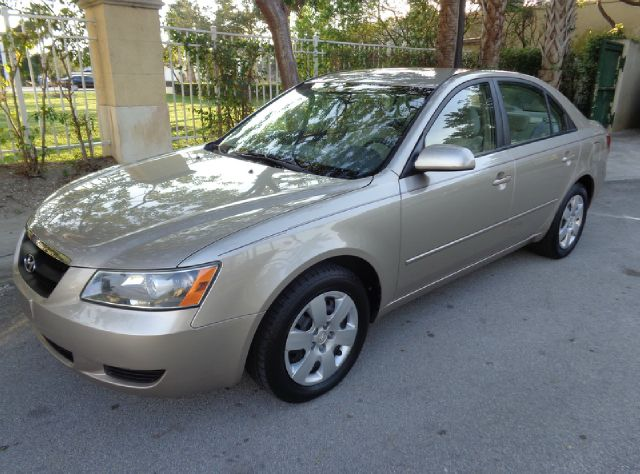 2008 HYUNDAI SONATA GLS gold metallic check out this awesome vehicle excellent shape great look