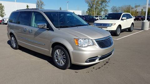 2013 Chrysler Town and Country for sale in Dundee, MI