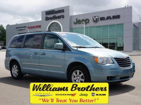 2010 Chrysler Town and Country for sale in Dundee, MI
