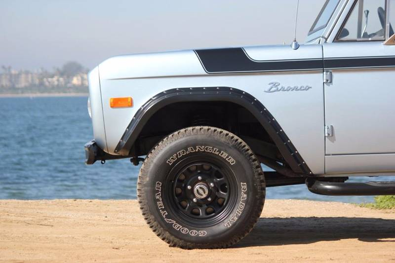 1977 Ford Bronco 30