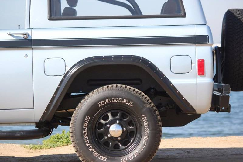 1977 Ford Bronco 32