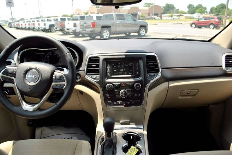 2017 Jeep Grand Cherokee 4x2 Laredo 4dr SUV - Stuttgart AR