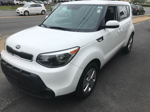 2014 Kia Soul for sale at BORGES AUTO CENTER, INC. in Taunton MA