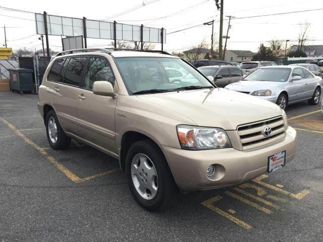 2004 Toyota Highlander for sale at GLOBAL MOTOR GROUP in Newark NJ