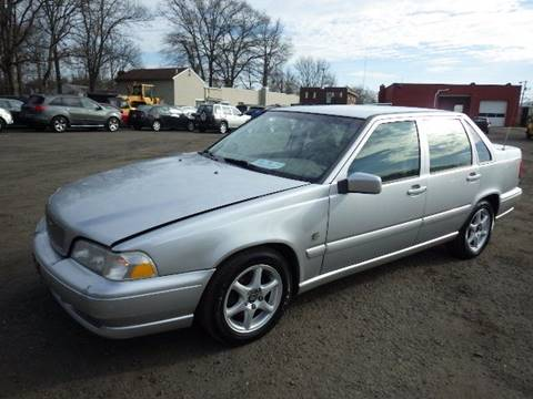 1999 Volvo S70 for sale at GLOBAL MOTOR GROUP in Newark NJ