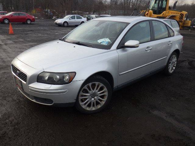 2005 Volvo S40 for sale at GLOBAL MOTOR GROUP in Newark NJ