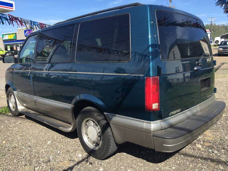 2001 Chevrolet Astro 3dr LT Extended Mini-Van - Bellaire OH