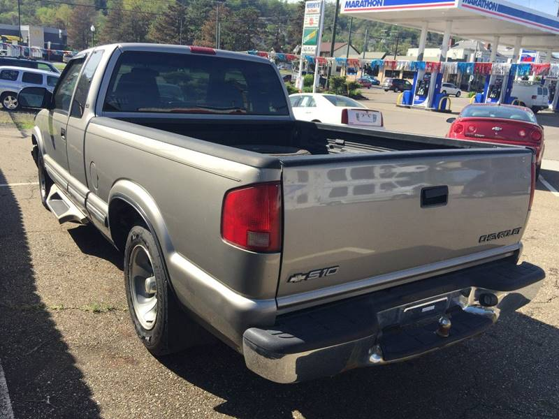 2002 Chevrolet S-10 3dr Extended Cab 2WD SB - Bellaire OH