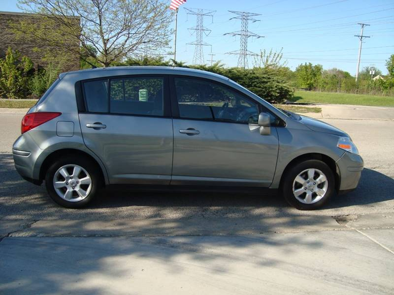 2012 Nissan Versa for sale at ARIANA MOTORS INC in Itasca IL