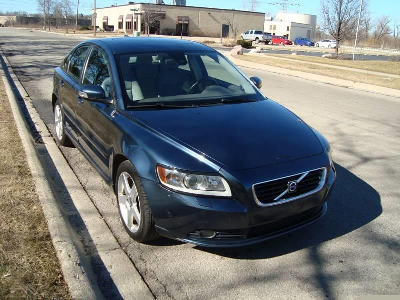 2008 Volvo S40 for sale at ARIANA MOTORS INC in Itasca IL