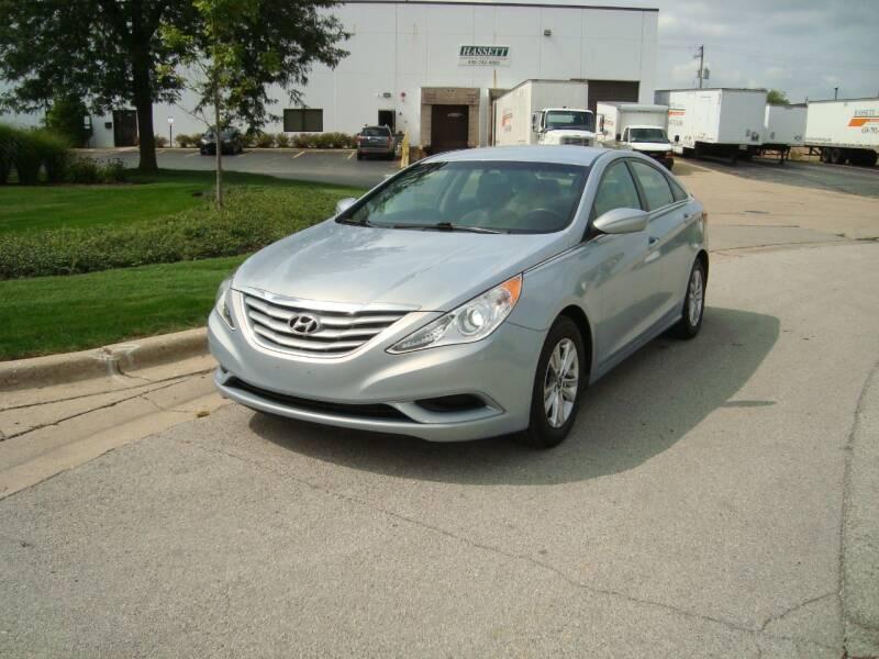 2013 Hyundai Sonata for sale at ARIANA MOTORS INC in Addison IL