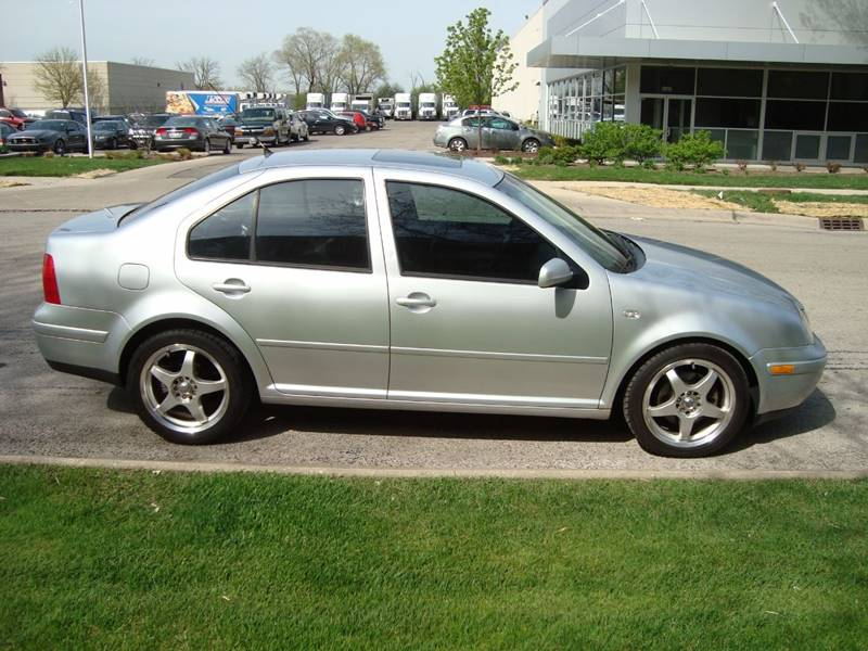 2003 Volkswagen Jetta for sale at ARIANA MOTORS INC in Itasca IL