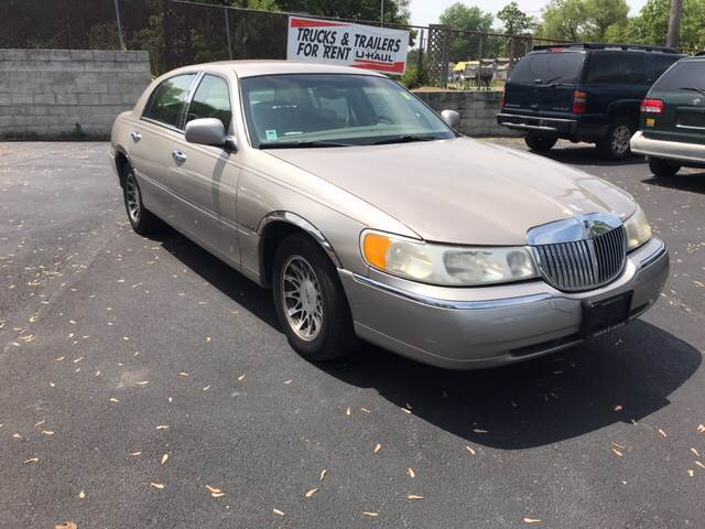 2001 Lincoln Town Car Signature 4dr Sedan In Gary In Aa Auto Sales