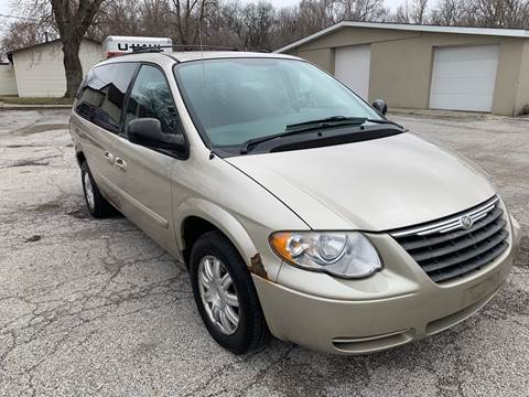 2005 Chrysler Town and Country for sale in Gary, IN