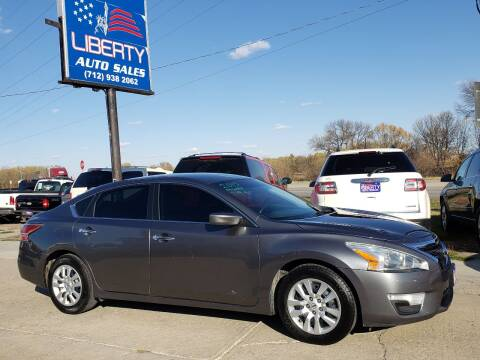 2015 Nissan Altima for sale at Liberty Auto Sales in Merrill IA