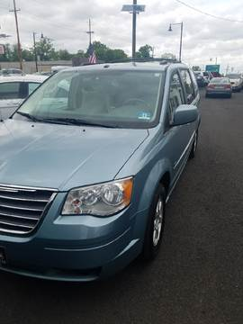 2008 Chrysler Town and Country for sale in Collingswood, NJ