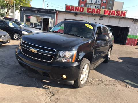 2007 Chevrolet Avalanche for sale at Diamond Auto Sales in Milwaukee WI