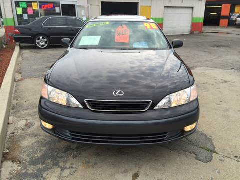 1998 Lexus ES 300 for sale at Diamond Auto Sales in Milwaukee WI