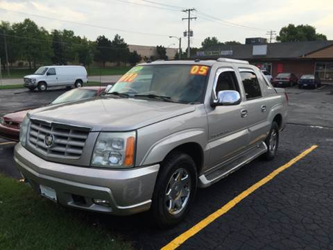 2005 Cadillac Escalade EXT for sale at Diamond Auto Sales in Milwaukee WI