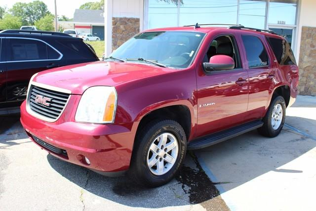 2007 GMC YUKON 4WD 4DR 1500 SLT red air bags dual-stage frontal driver and right-front passenge
