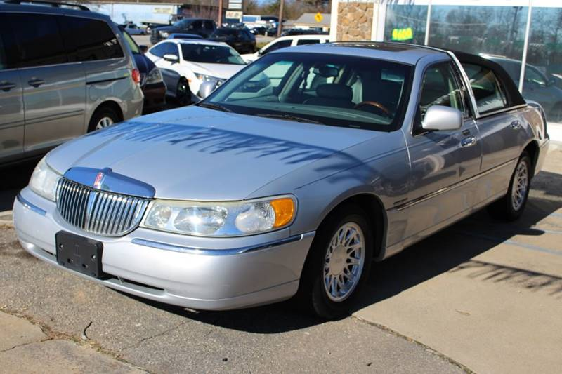 2002 Lincoln Town Car Signature 4dr Sedan In Greer Sc Auto