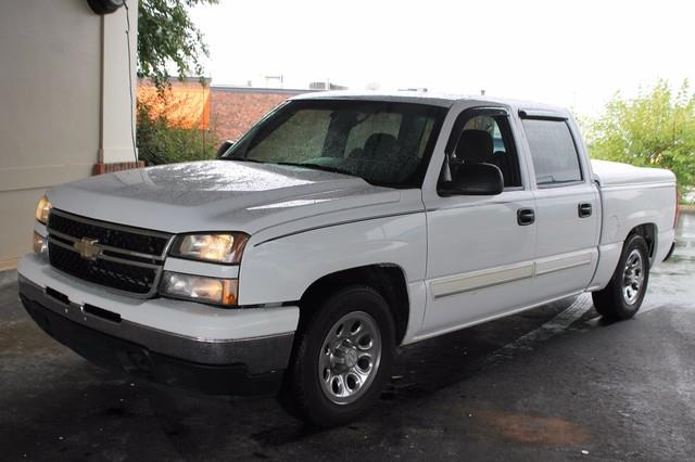 2007 CHEVROLET SILVERADO 1500 CLASSIC CLSC LS white driver  right-front passenger airbagspassen