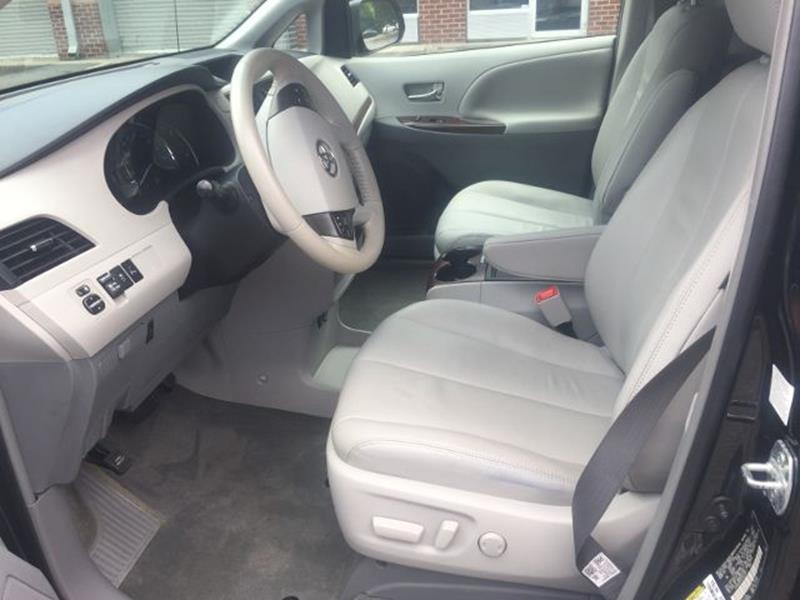 2014 Toyota Sienna XLE Minivan 4D - Alpharetta GA