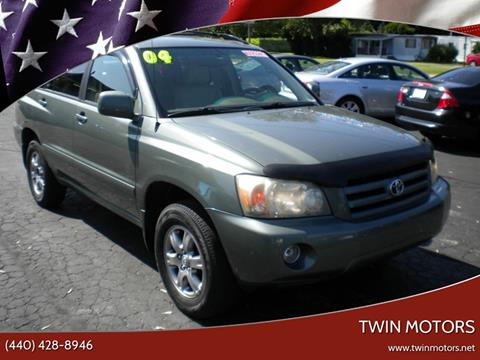 2004 Toyota Highlander for sale at TWIN MOTORS in Madison OH