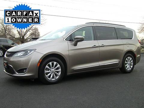 2017 Chrysler Pacifica for sale in Feeding Hills, MA
