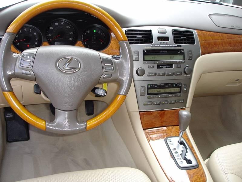 2005 Lexus ES 330 4dr Sedan - Germantown WI