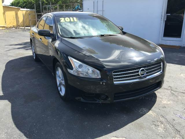 2011 NISSAN MAXIMA 35 S 4DR SEDAN black stunning one owner nissan maxima 35 sv  great color c