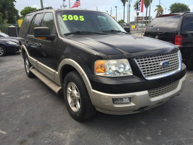 2005 FORD EXPEDITION EDDIE BAUER 4WD 4DR SUV black we all love the expedition its definitely one