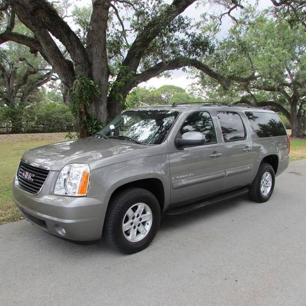 2007 GMC YUKON XL SLE 1500 gray come over sam motor sports will get you approved no matter what