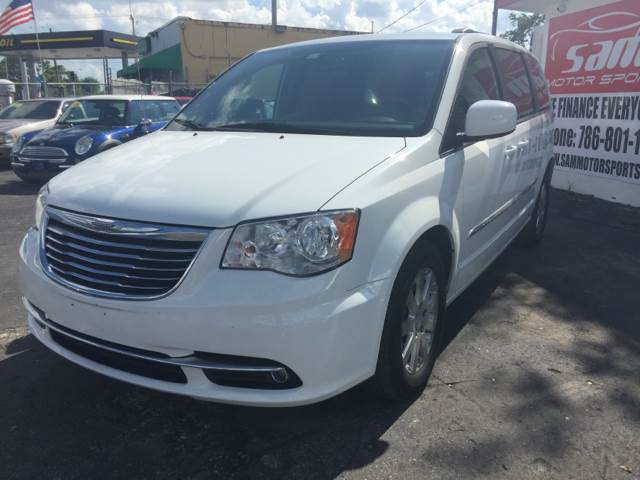 2014 CHRYSLER TOWN AND COUNTRY TOURING 4DR MINI VAN white instant financing with approved credit