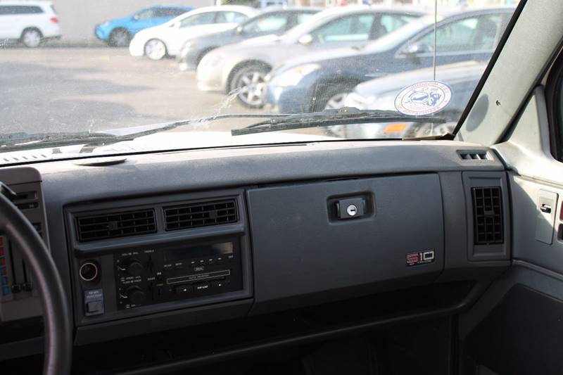 1994 Chevrolet S-10 Blazer 4dr Tahoe LT 4WD SUV - Baldwin NY