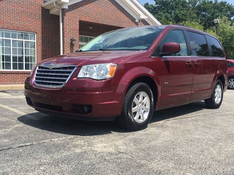 2008 Chrysler Town and Country for sale in Youngstown, OH